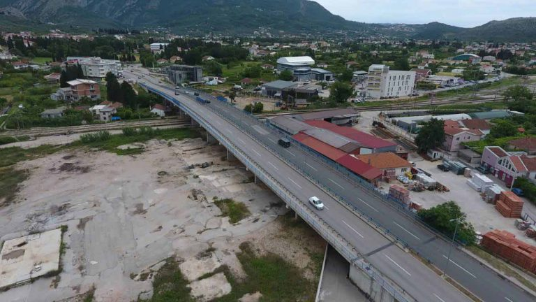 Works on the construction of the overpass on the route of the reconstructed JNA Street, in Bar