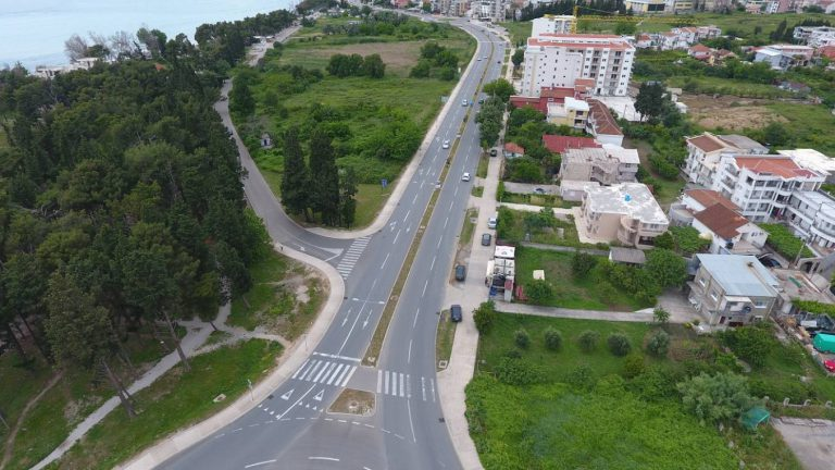 Works on the reconstruction of the main road M-2.4 Petrovac-Bar
