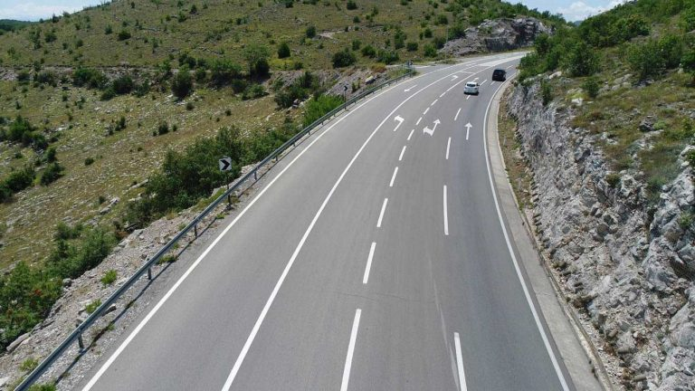 Reconstruction works (construction of the third lane) of the main road M 2.3, section Kokoti